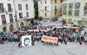Mosaico en Agoitz contra la tortura. (Idoia ZABALETA / ARGAZKI PRESS)